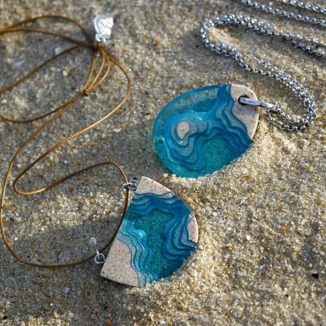 Exquisite Jewelry Made From Sand And Resin Sells Like Hot Cakes 4