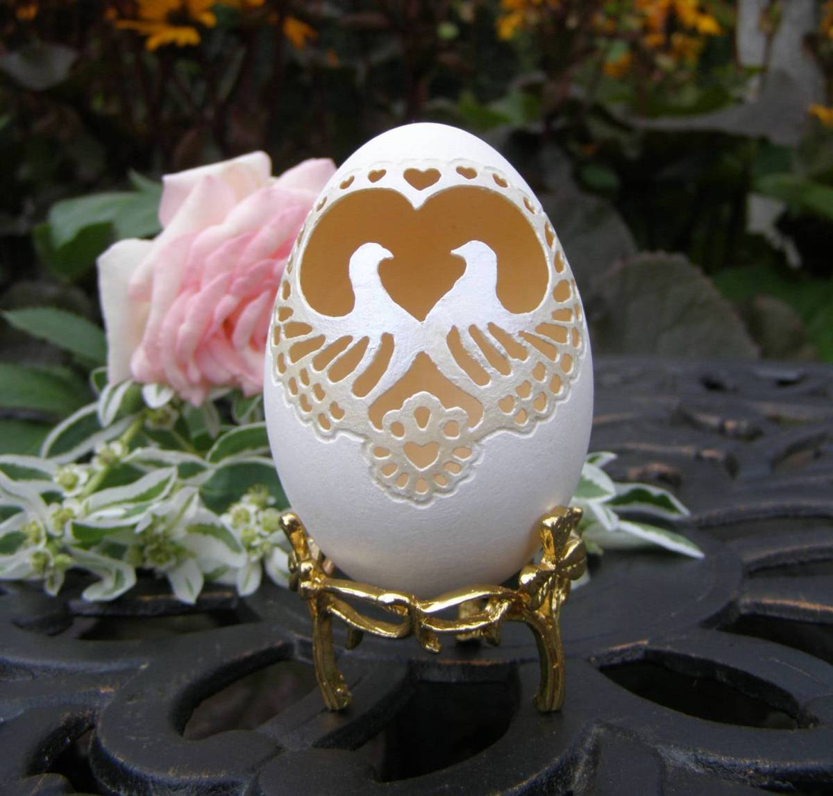egg shell carving 5