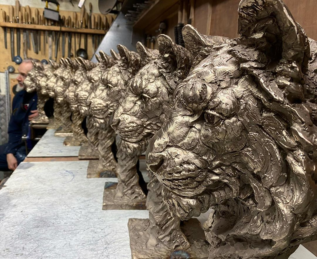 Self-Taught Sculptor Gains World Recognition For Stunning Bronze Sculptures 3