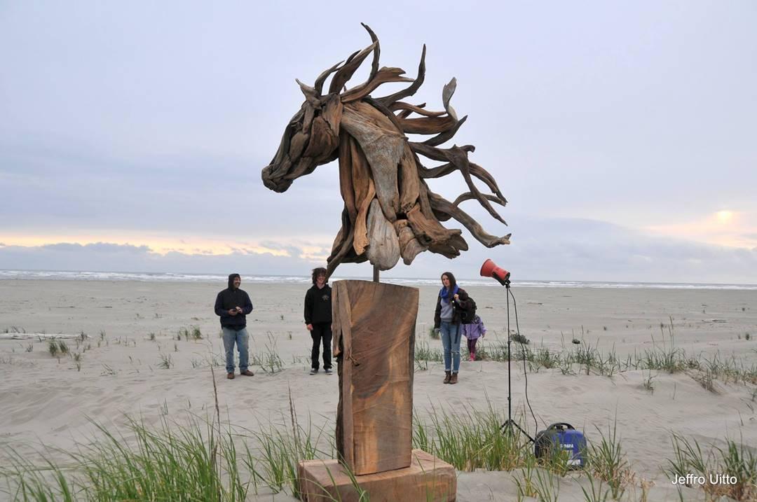 Wood Artist Creates Stunning Animal Sculptures Using Only Salvaged Wood 8