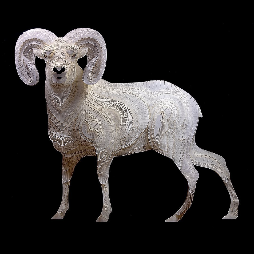 Filipino Sculptor Creates Public Awareness About Endangered Species Through Cut Paper Sculptures 3