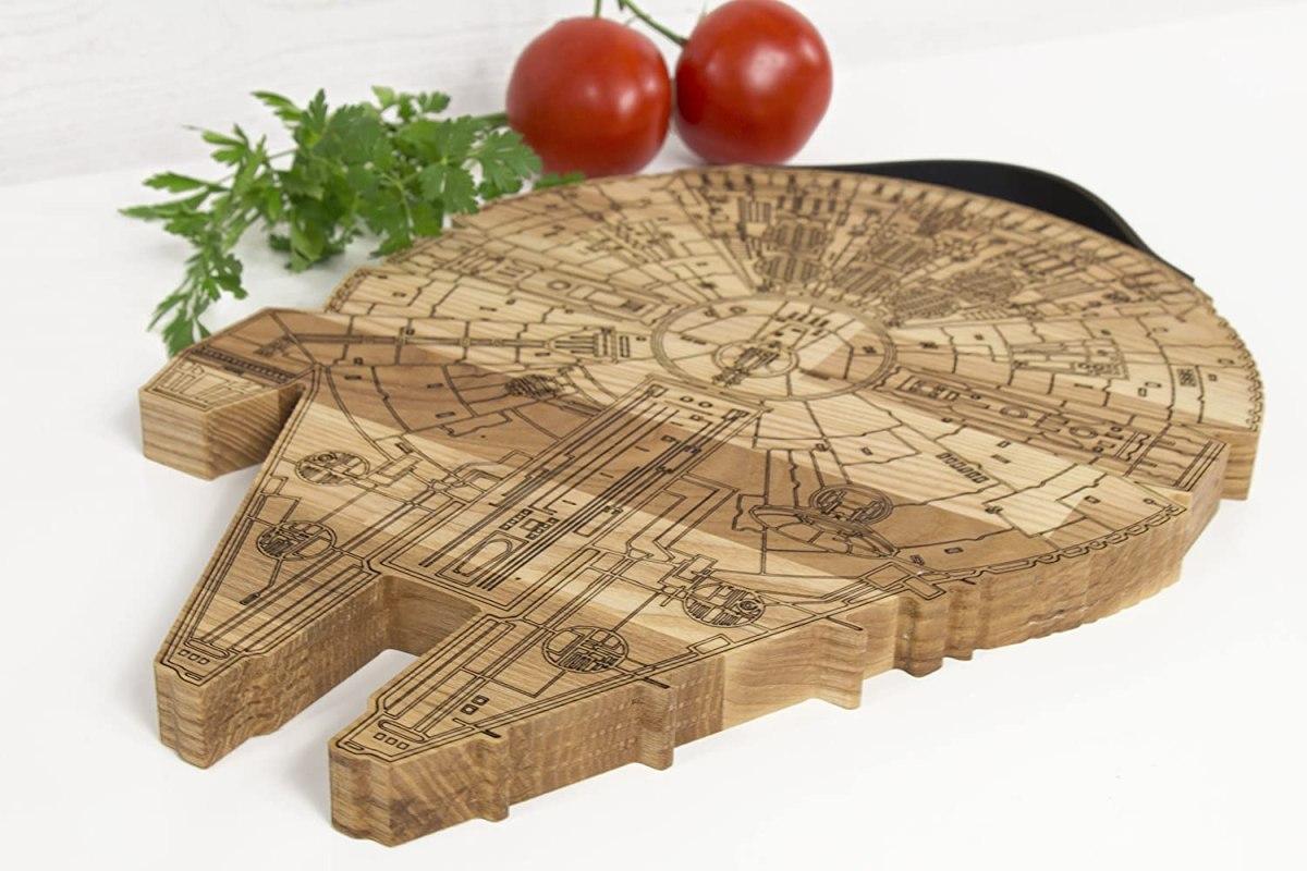 millennium falcon wooden cutting board 3
