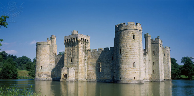 Curtain Wall Castle With Round Towers Advantages And Disadvantages