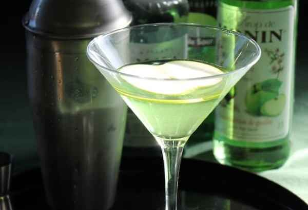 Green Apple Martini | How to be Awesome on $20 a Day