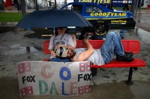 NASCAR fans staying dry during the Daytona 500