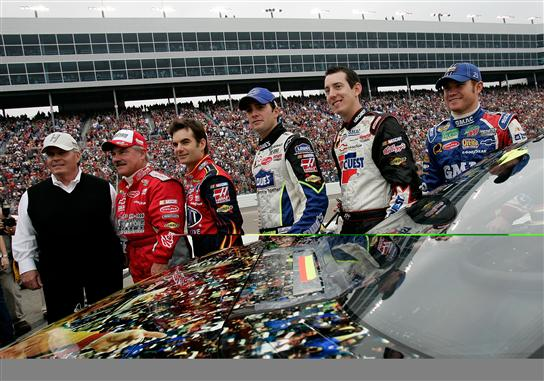 jeff in victory lane with drivers