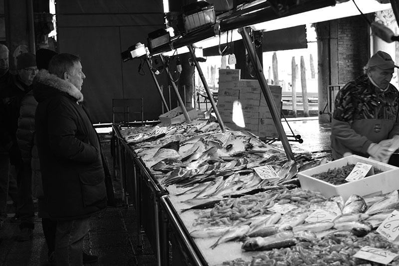 seafood-vendor