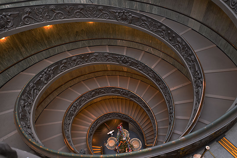 vatican-staircase-down