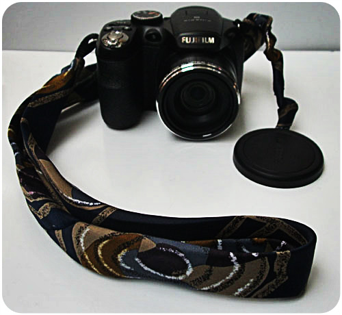 The 10 minute diy camera strap