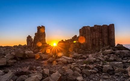 sunriseoverbomboheadland-2880x1800-large