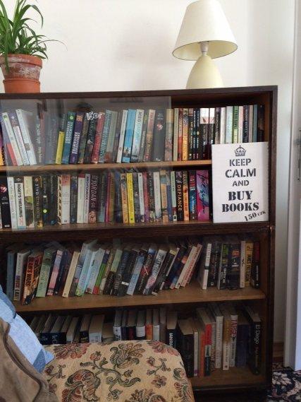TriCafe Bookshelf