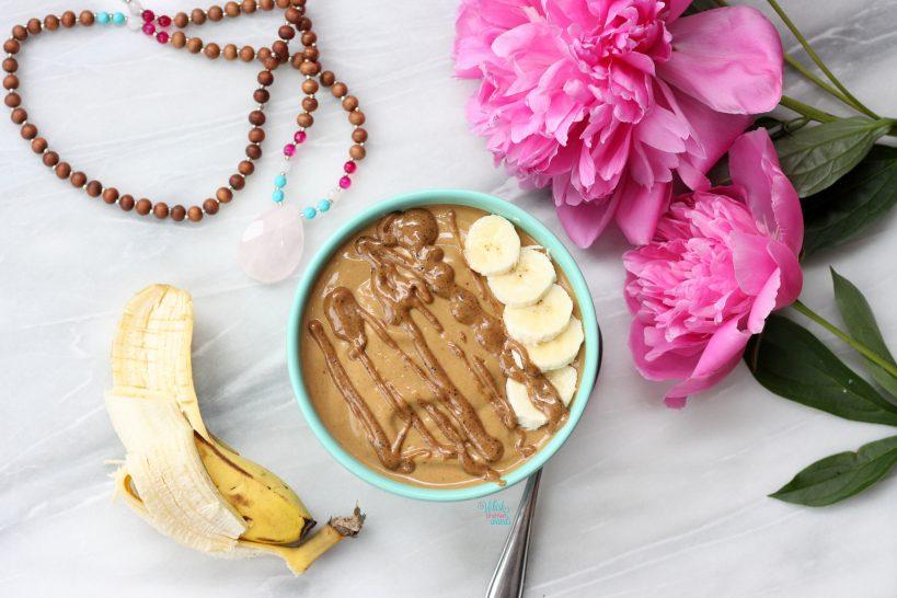 Chocolate Banana Turmeric Smoothie Bowl
