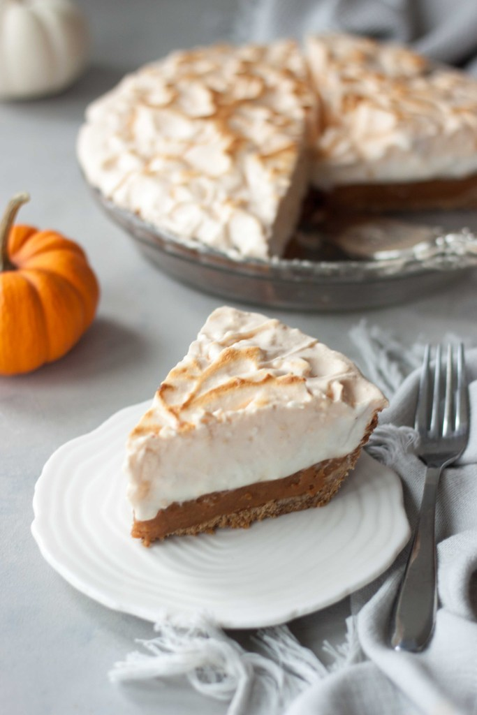 Vegan Marshmallow Meringue Pumpkin Pie