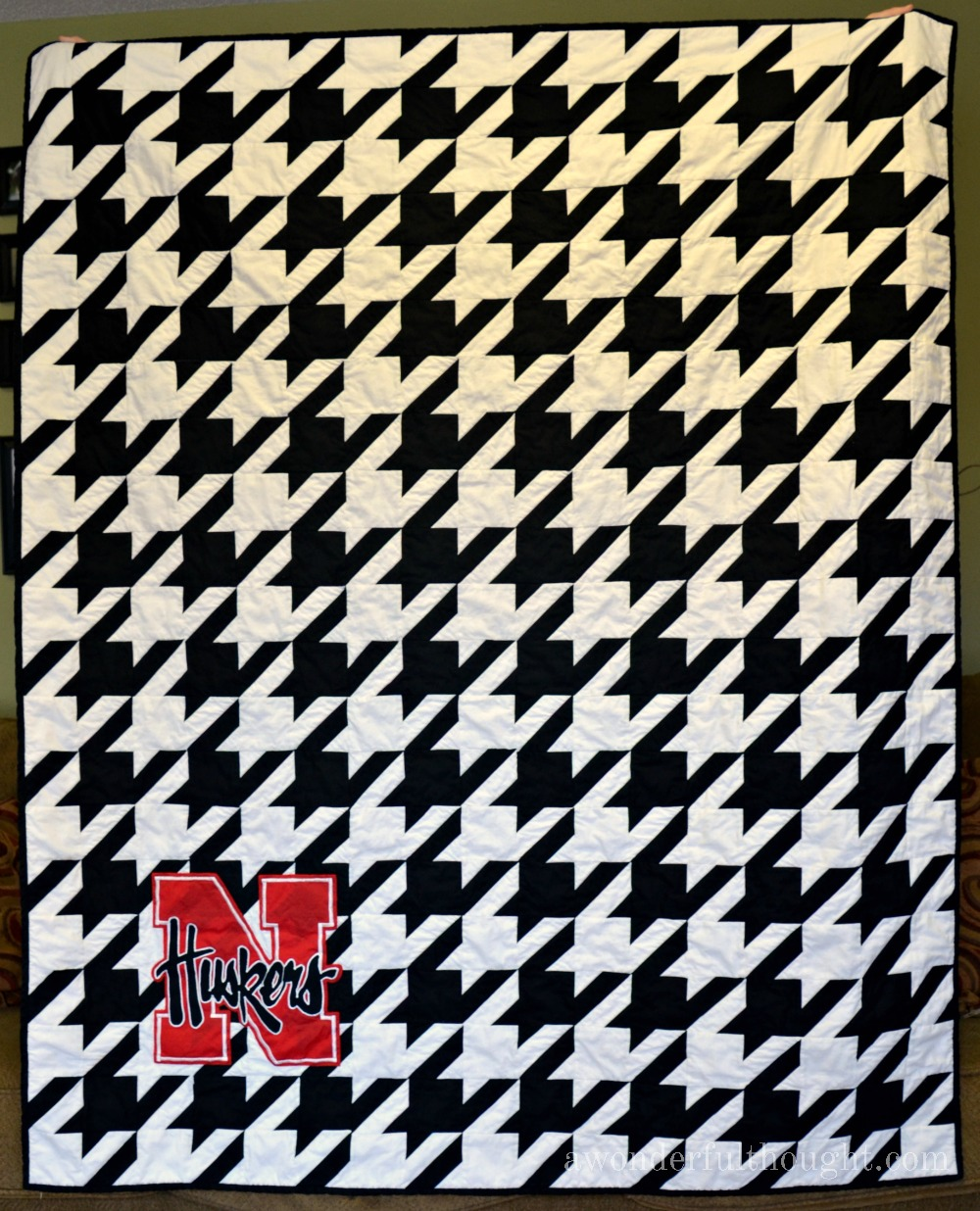 Huskers Houndstooth Quilt Pattern - A Wonderful Thought : houndstooth quilt pattern - Adamdwight.com