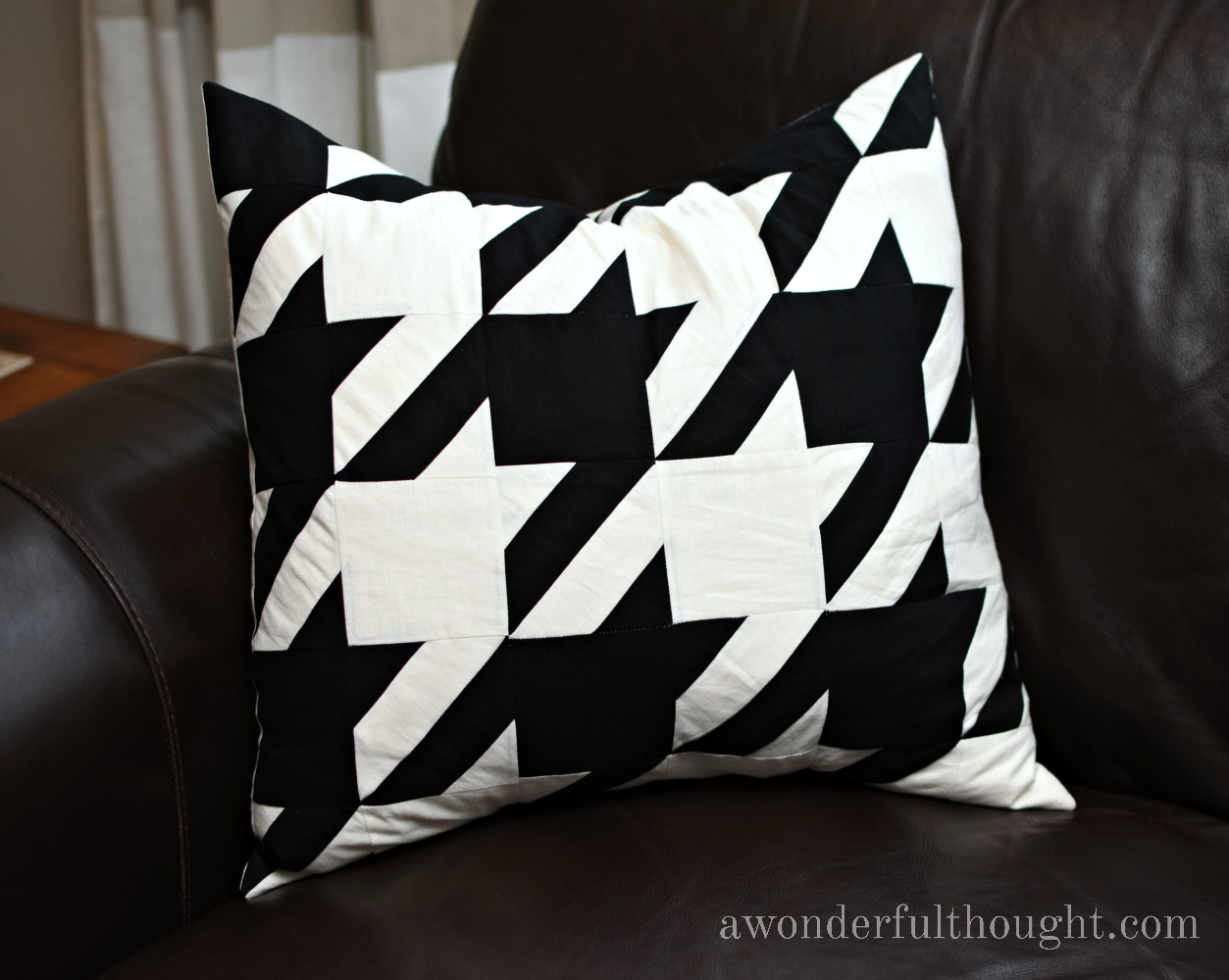 A Wonderful Thought | Houndstooth Quilt Pattern | www.awonderfulthought.com