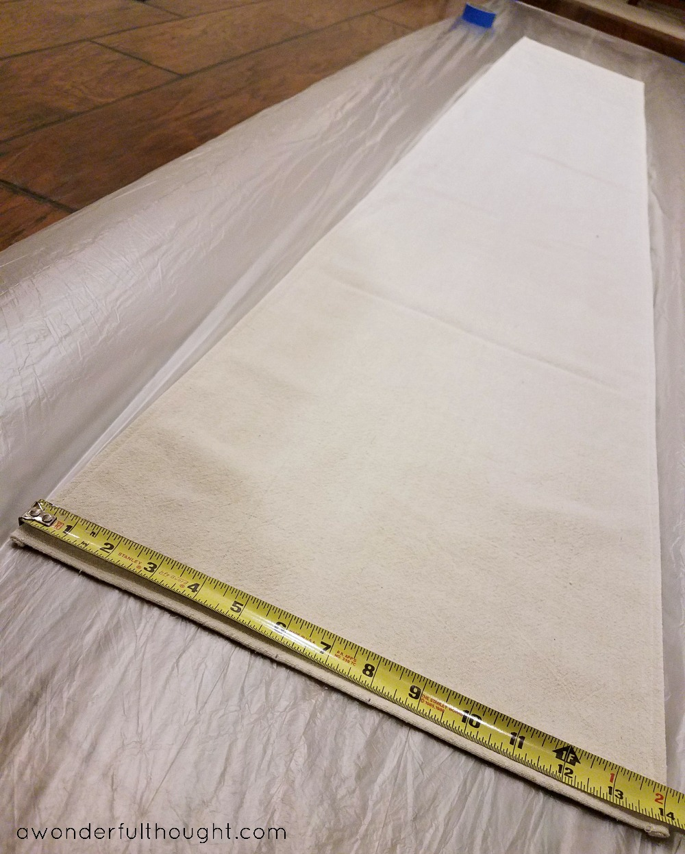 How to paint a grainsack inspired table runner | awonderfulthought.com