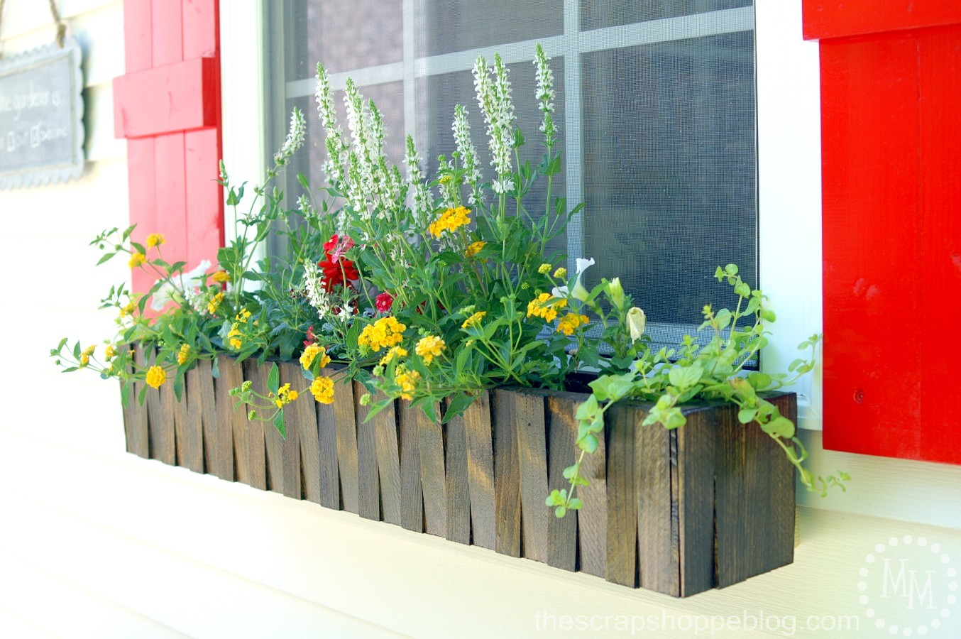 12 Awesome Home Improvement Ideas. Great DIY projects to upgrade your home on a budget | awonderfulthought.com