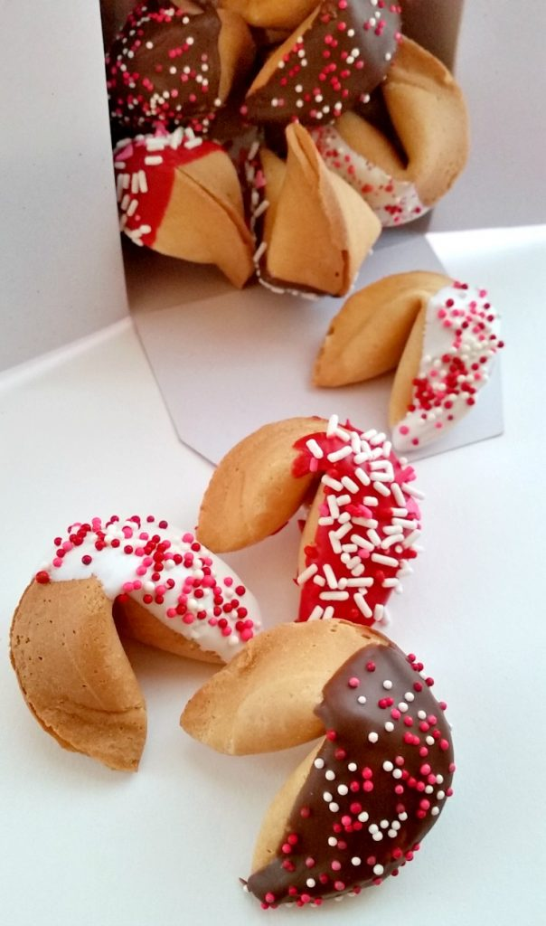 14 Sweet Valentine's Day Treats #valentinesday #valentinestreats #valentinesdayrecipes #awonderfulthought
