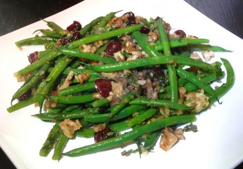 Se7en (featuring Green Beans with Sherry Vinaigrette, Toasted Walnuts and Dried Cherries)