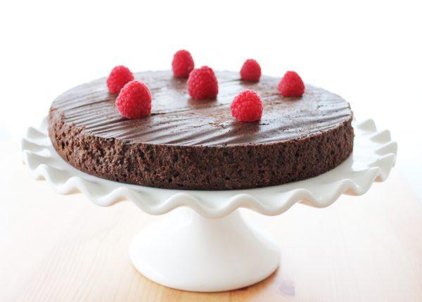 Alexa vs. Alt Girl (featuring Flourless Chocolate Cake)