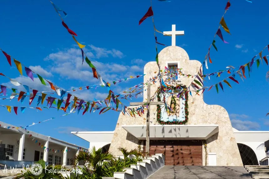 backpacking-mexico-yucatan-isla-mujeres-church
