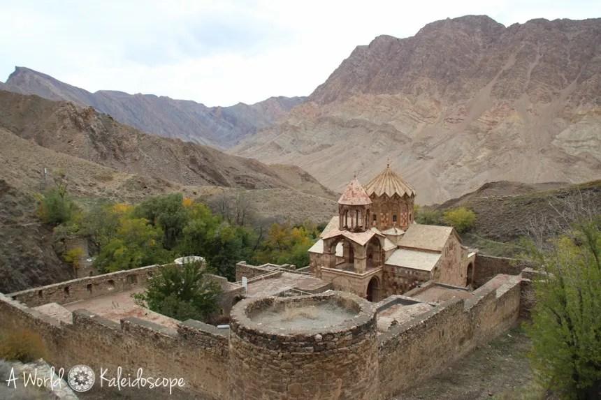 iran-backpacking-jolfa-stephanos