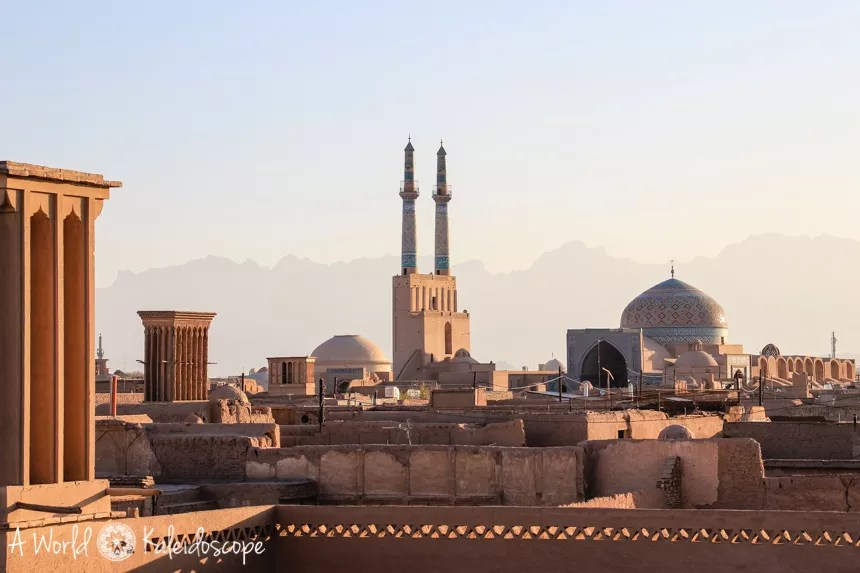 iran-backpacking-yazd-cityscape