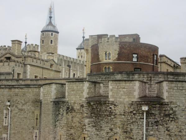 Contiki European Vista Tower of London