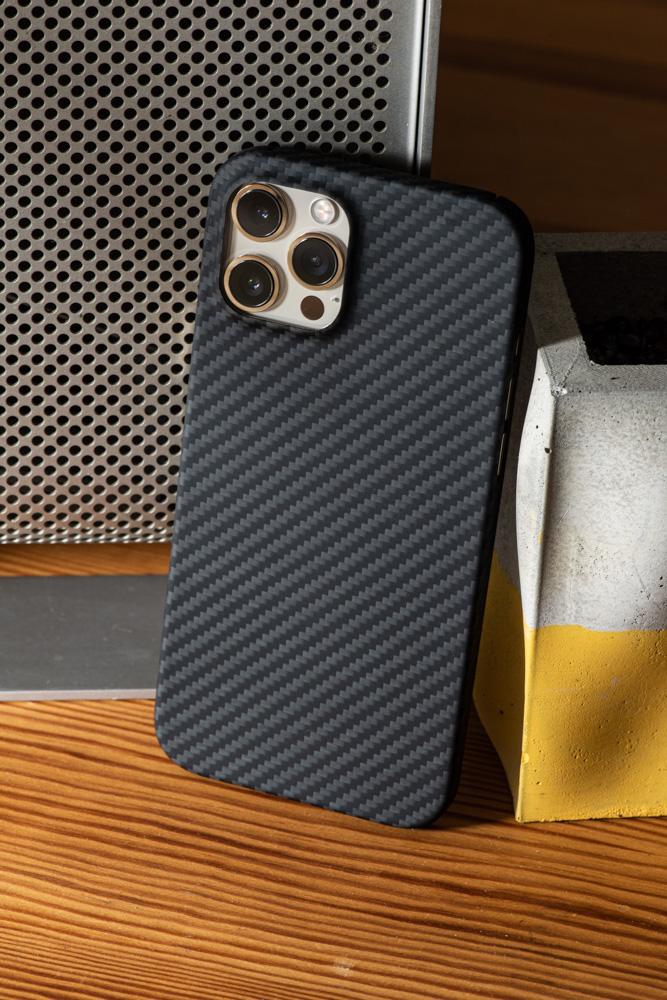 iPhone 7 / 8 / SE2 / XS / XR / 11 / Pro / Max 正 碳纖維保護殼