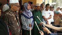 Gembiranya Siti Aisyah Kembali ke Kampung Halaman