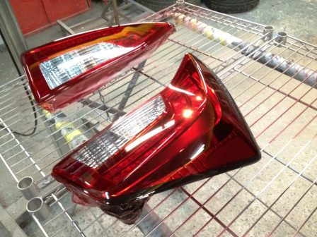クリアテールランプをレッドテールに塗装可能!