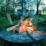 3 Ways to Pass Time Around a Campfire