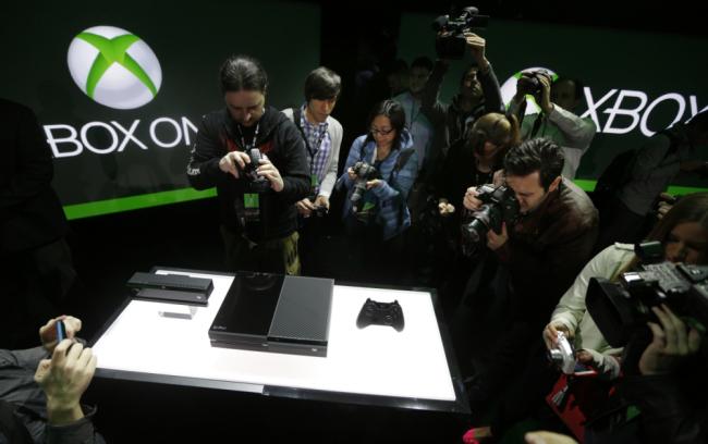 Xbox vs PS4, Ps4, xbox, Xbox vs playstation 4, Microsoft vs sony, XBOX One Vs Playstation 4, Difference between xbox one and PS4, PS4 and xbox one, one Xbox PS4, Xbox one vs Playstation 4 (8)