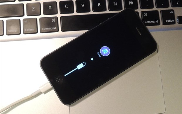 downgrade-your-iphone-from-ios-8-beta-ios-7-1-1.w654