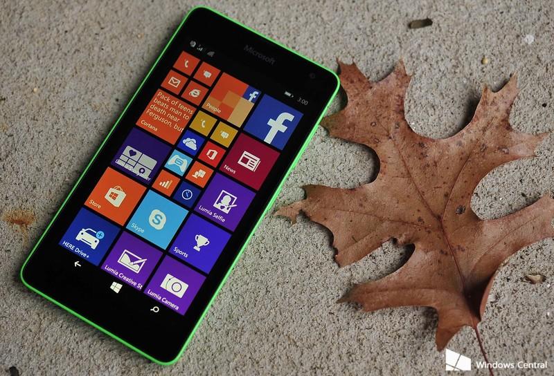 Lumia_535_hero_leaf