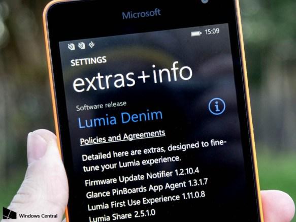 lumia-denim-535-closeup