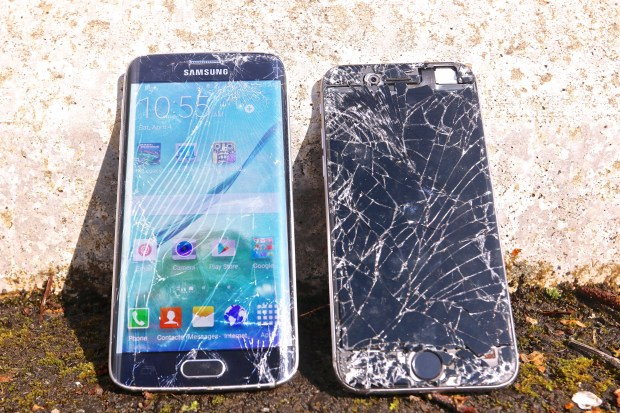 Galaxy-S6-vs-iPhone6-droptest
