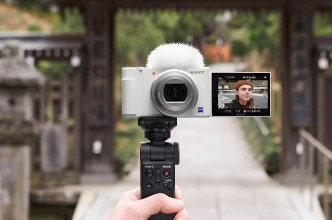 Sony 數位相機 ZV-1 「晨曦白」耀眼登場!入手再送施華洛世奇水鑽皮革手腕帶與 Sony 精品配件!