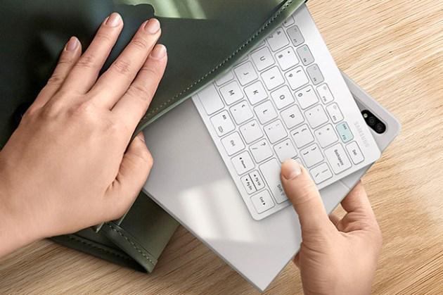 三星 Smart Keyboard Trio 500 藍牙鍵盤同時支援電腦、手機與平板,讓你在多平台都有高生產力!