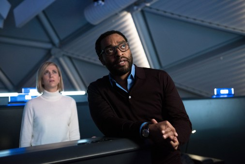 Kristen Wiig as Annie Montrose and Chiwetel Ejiofor as Vincent Kapoor, The Martian (2015)