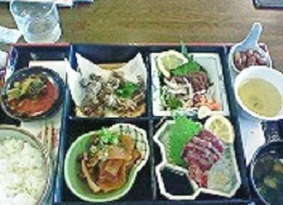鯨御膳ご飯大盛り2400円