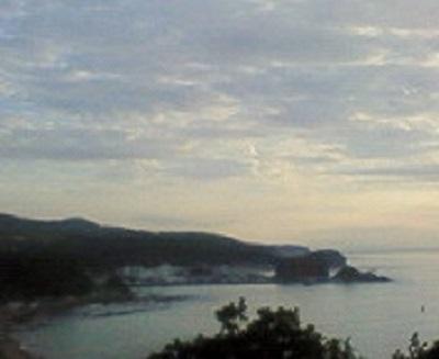 ウトロの海を望む