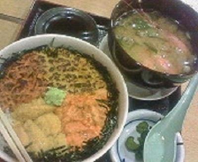 ムラサキウニとバフンウニのハーフウニ丼