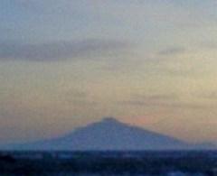 野寒布岬から利尻島を望む。