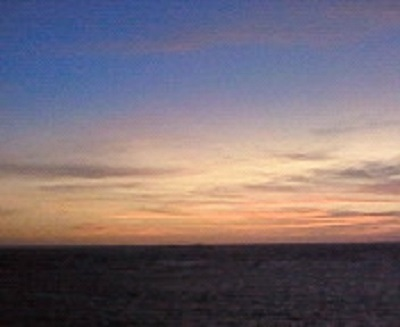 野寒布岬からの夕陽。