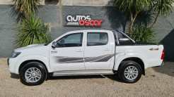 Autos Oscar Toyota Hilux 2015 (2)
