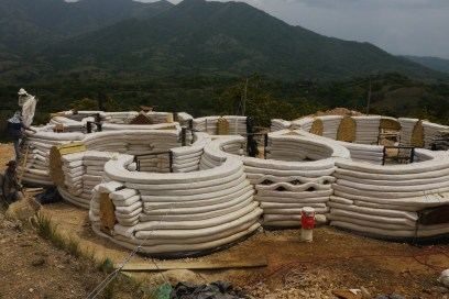 Casa Quetzalcoatl superadobe costa rica
