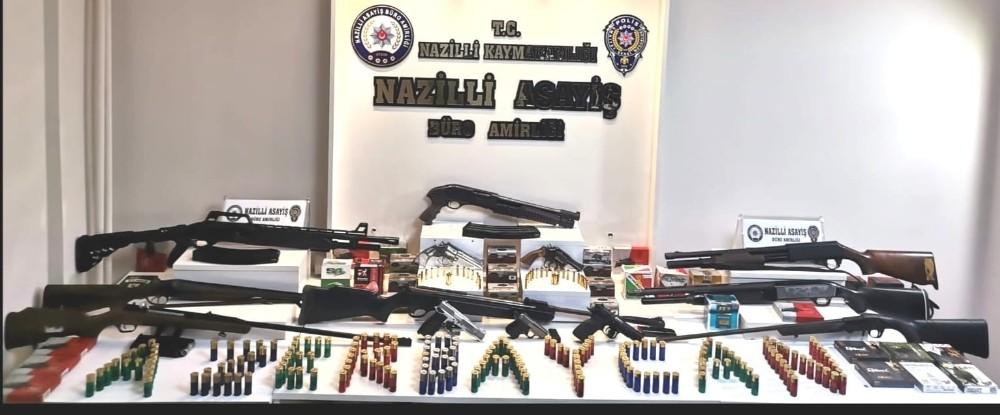 Nazilli'de çok sayıda silah ele geçirildi