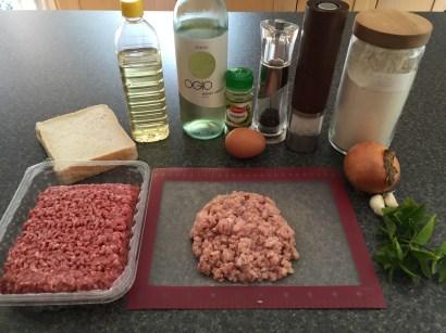 Ingredients for Kjoftinja (meatballs)