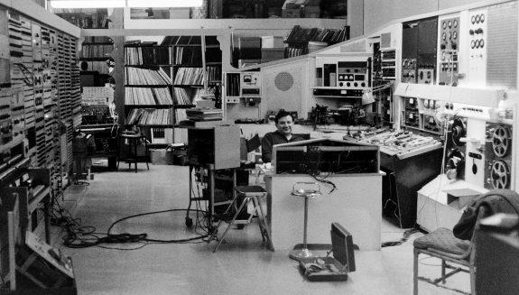 Raymond Scott in studio-1970-panorama